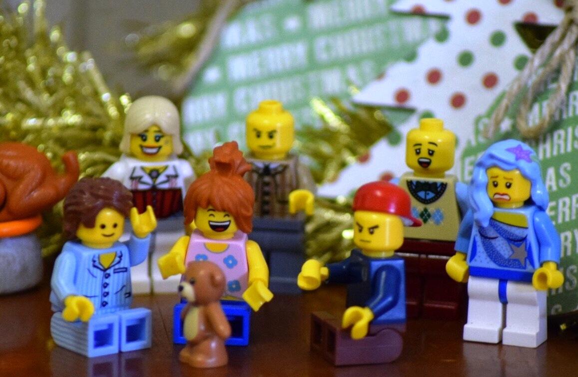 Christams, parents, children, psychology, values, gifts, behavior